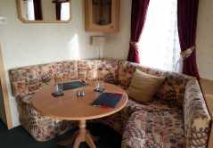mountain-farm-dining-area-room
