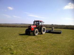 rolling-grass-ley-at-mountain-farm-broad-haven